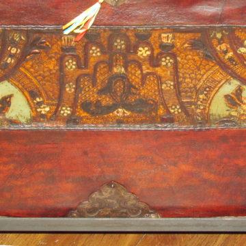 Tibetan Trunk W glass detail
