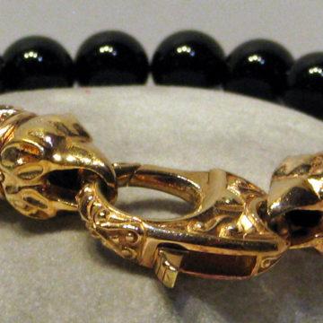 Gold Onyx Bracelet Close