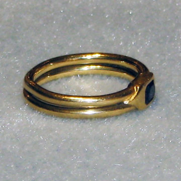 Sapphire  14k ring