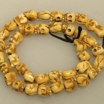 9mm Carved Oxbone skull beads2 web